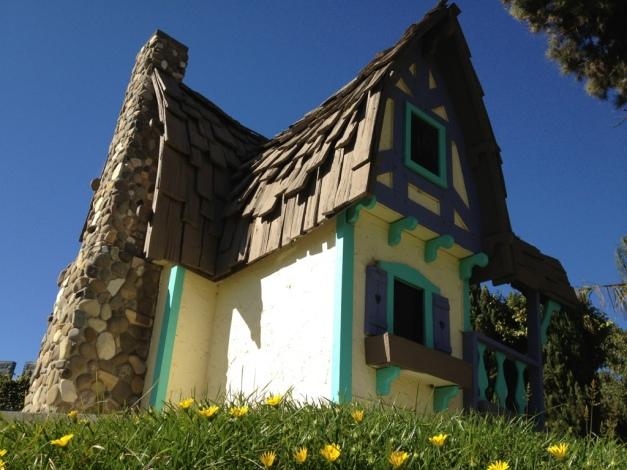 Zuma Cafe - Miniature House on the Hill